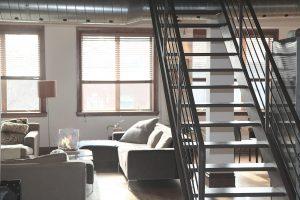 Welke trap past het beste in mijn huis gietvloerspot